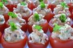 Tomaatjes gevuld met crabsalade